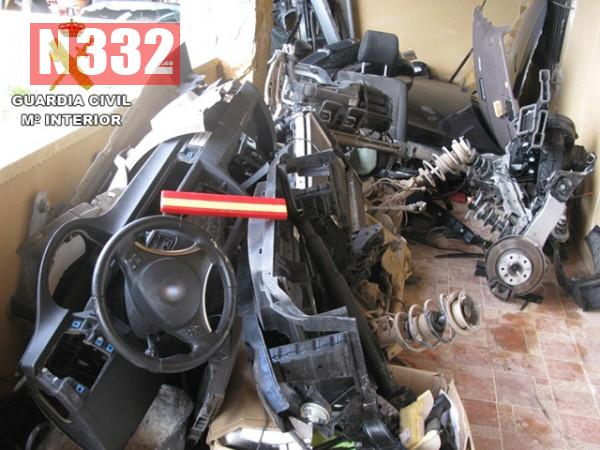 20150414 - Car Theft Breakers Arrested